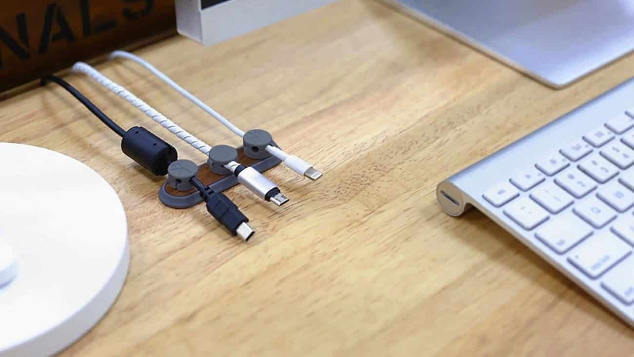 Multipurpose Magnetic Cable Clips 000 edited 1