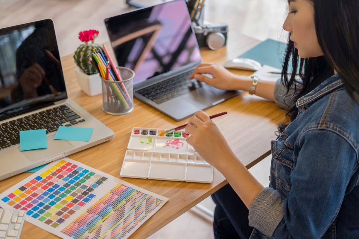 11 Best Home Office Colors To Spark Creativity